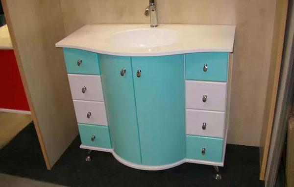 Гибкий МДФ в фасадах мебели для ванных комнат